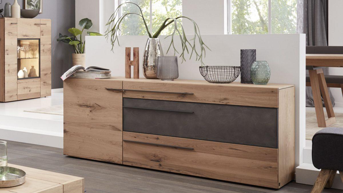 akzente setzen mit beton interliving m bel f r mich gemacht. Black Bedroom Furniture Sets. Home Design Ideas