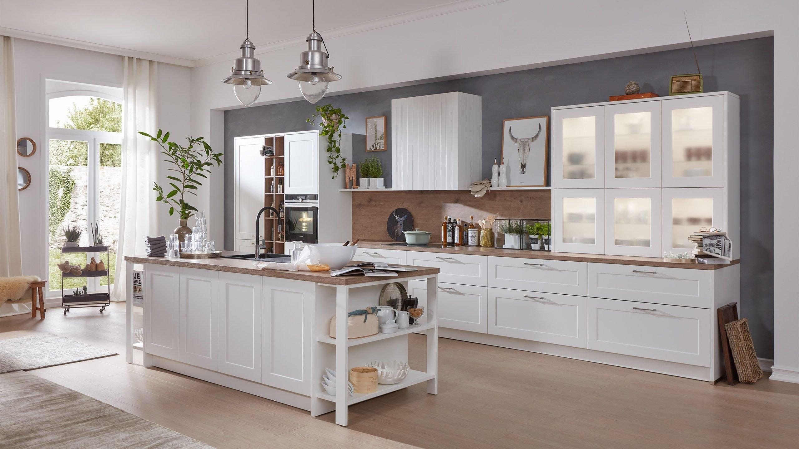 Küchen im Landhausstil einrichten